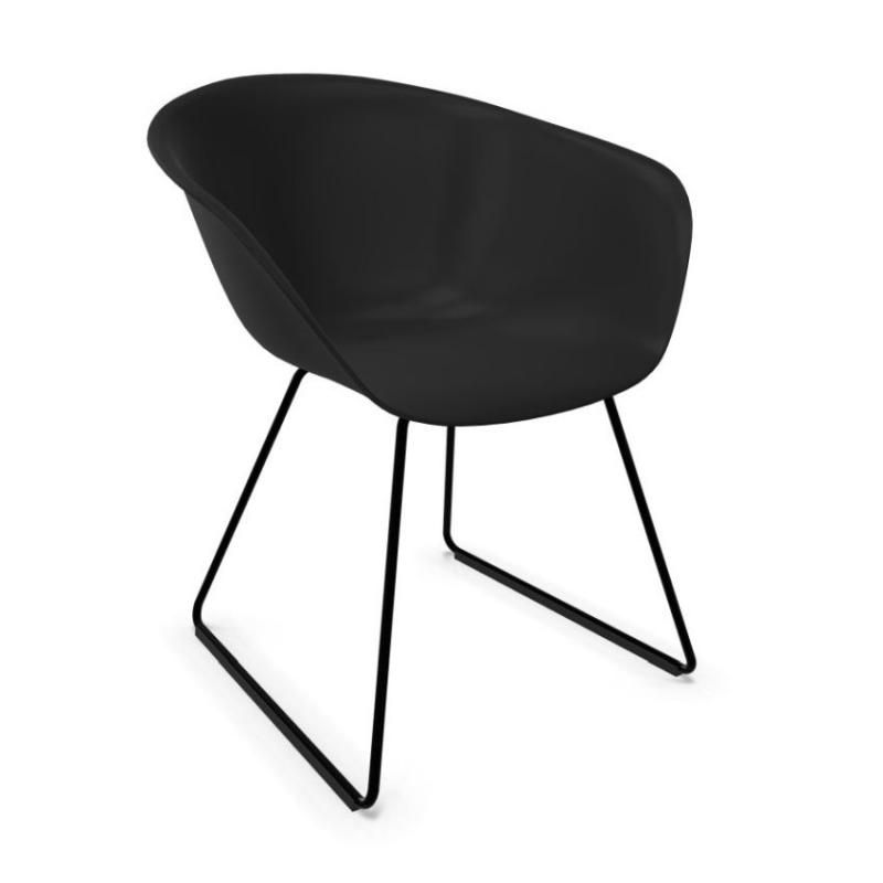 Duna 02 Armchair, Black Shell / Black Sled Base