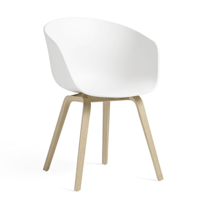 AAC 22 Chair, White Shell / Oak Base