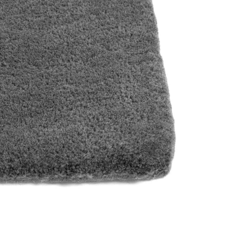 Raw Rug No2, 170x240cm, Dark Grey