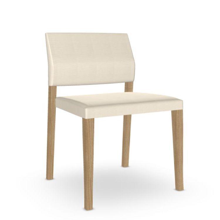 Valeria Chair, White Upholstery / Oak Frame